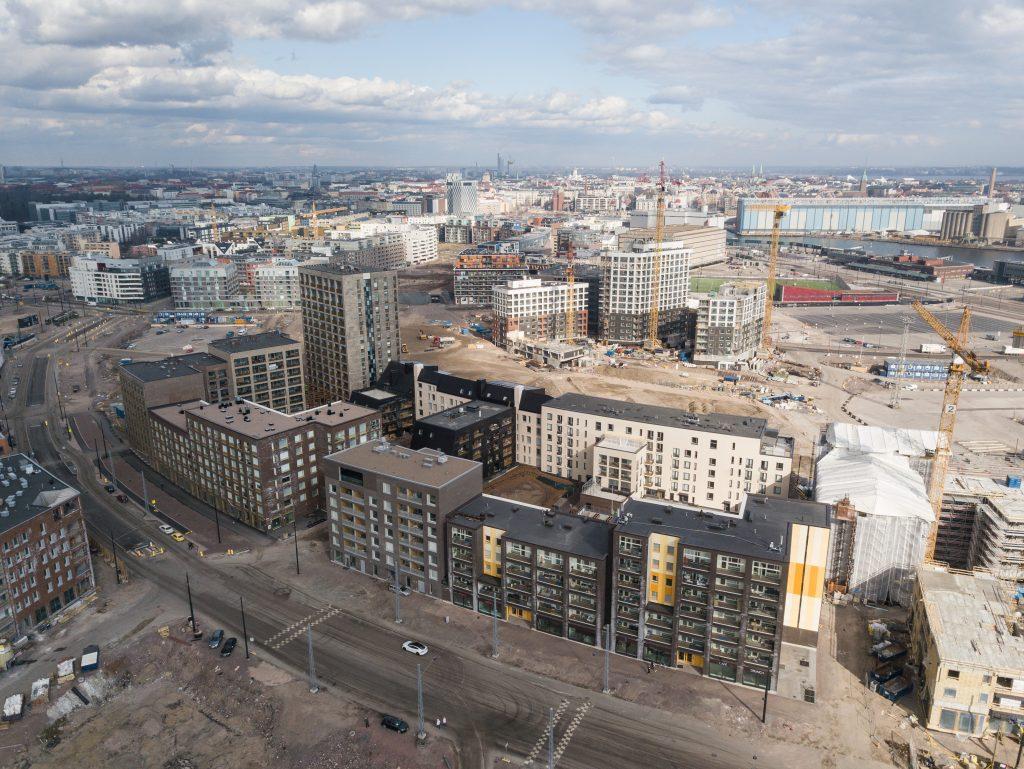 Valmista ja rakenteilla olevaa kaupunkia Jätkäsaaressa