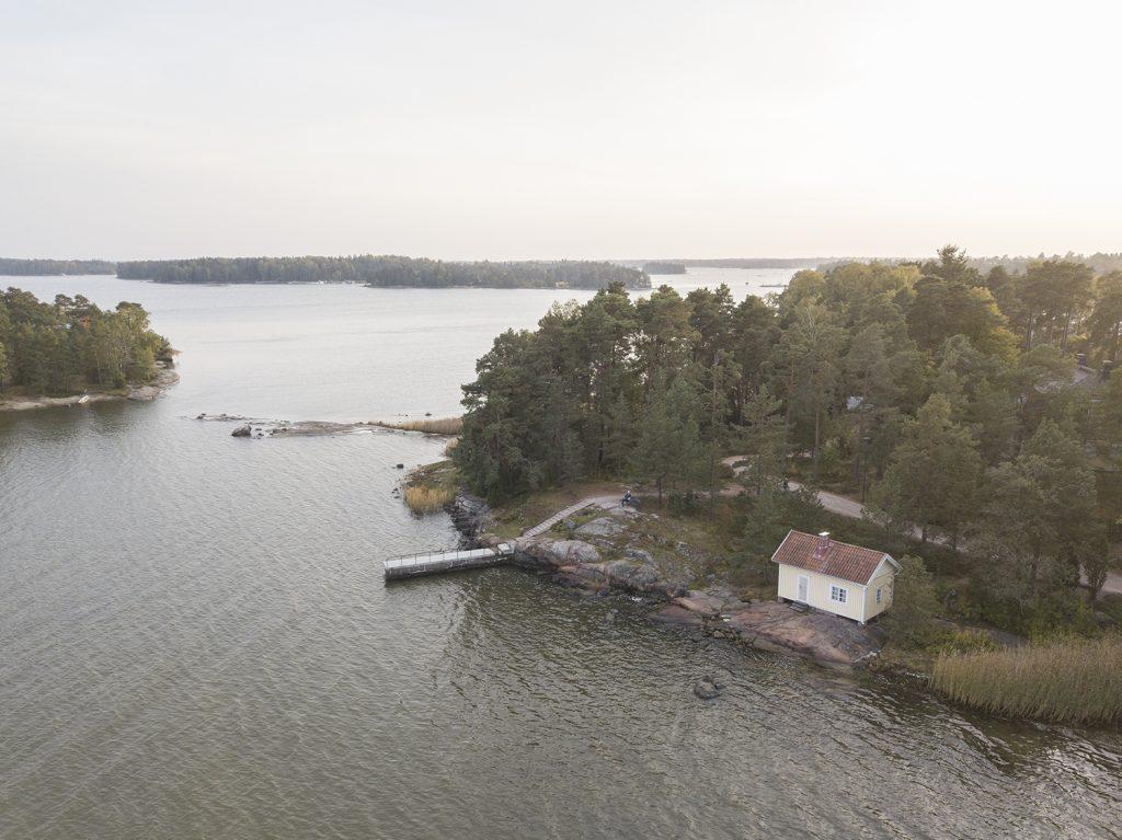 Saaristomaisemaa Espoon Rantaraitin varrella Haukilahdessa